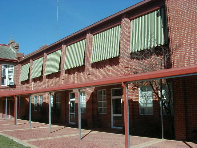 Automatic Awnings C E Bartlett Manufacturing